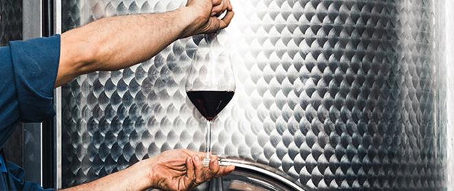 Polyphenols to improve wine quality